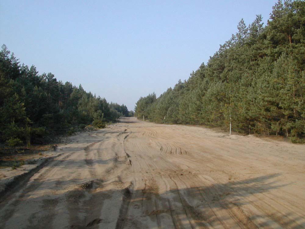 Lockersandstrecke (Meßstrecke): Länge 1000 m mit Wendemöglichkeiten, wechselnde Sandtiefen und Festigkeiten in Abhängigkeit von Witterung und Befahrung