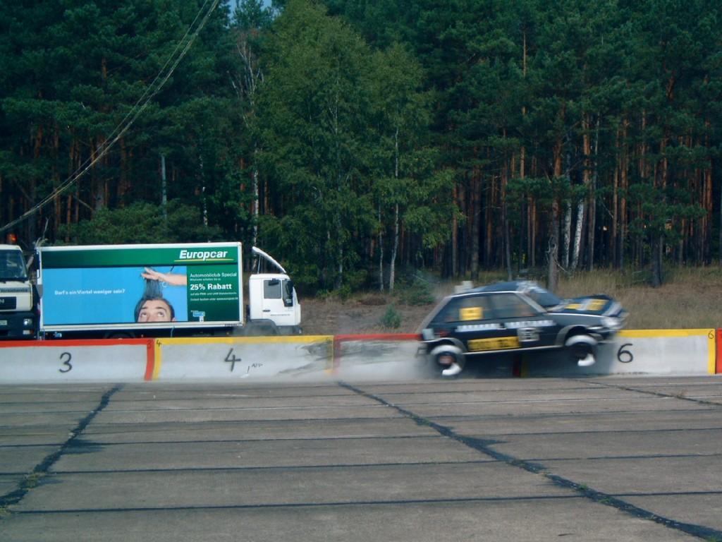 Nicht-Off-Road-Erprobungen, z. B. hoch dynamische Fahrversuche und Ausrüstungstests, können auf extern angemieteten Flächen durchgeführt werden.